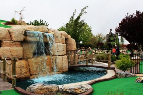 golf_waterfall